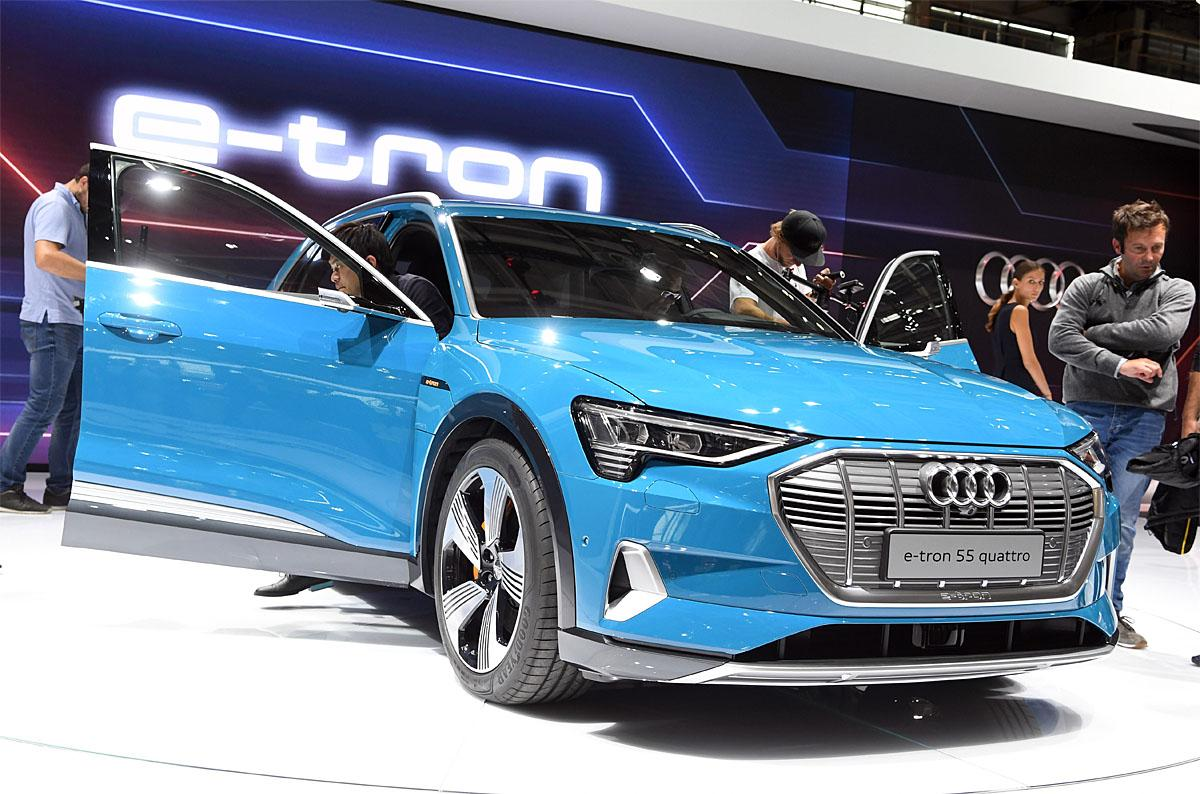 02 October 2018, France, Paris: The electrically powered Audi e-tron 55 Quattro will be presented at the Paris International Motor Show on the 1st press day. From 02.10. to 03.10.2018 the press days will take place at the Paris Motor Show. It will then be open to the public from 04.10. to 14. October. Photo: Uli Deck/dpaWhere: Paris, Île-de-France, FranceWhen: 02 Oct 2018Credit: Uli Deck/picture-alliance/Cover Images