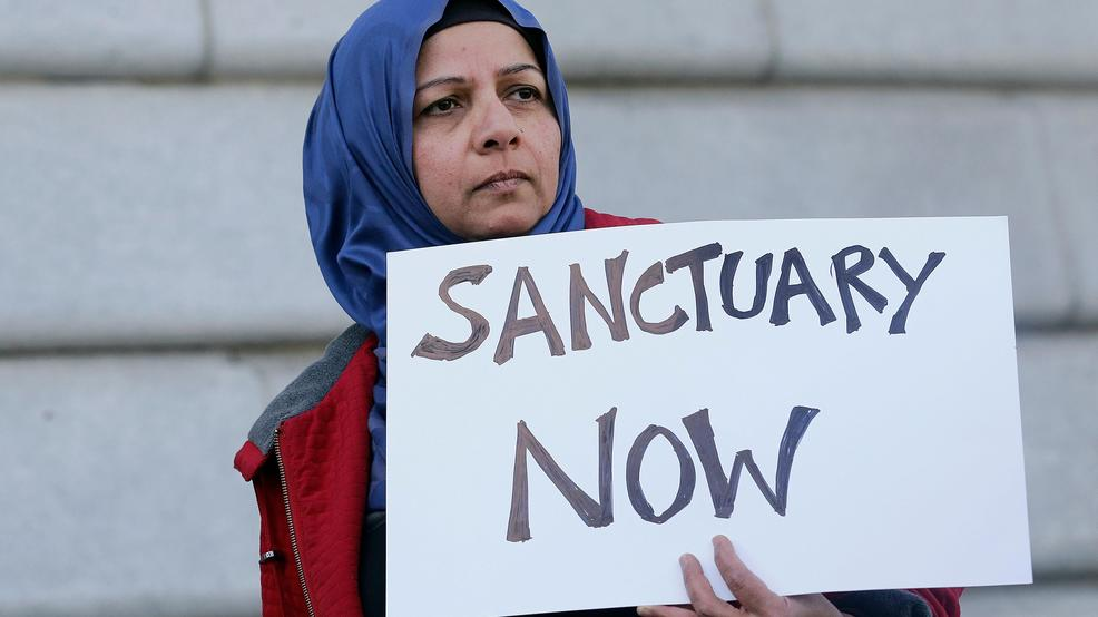 Sanctuary cities federal judge ruling vs Trump AP17115760107439.jpg