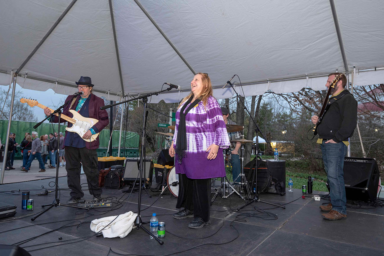Cecil Jackson & Dry Ridge Band and Shiny Old Soul were the local performers on Tunes & Blooms opening night for the season. Guests were welcome to bring their own blankets and chairs for extra seating. Pictured is Shiny Old Soul performing. / Image: Joe Simon // Published: 4.5.19