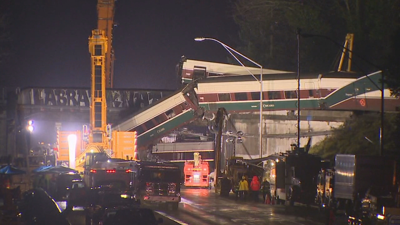 Beverly Heebner, 78 and Charlie Heebner, 79 are just two of the survivors of Monday's deadly Amtrak derailment near DuPont, Wash. that killed three people. (Photo: KOMO News)