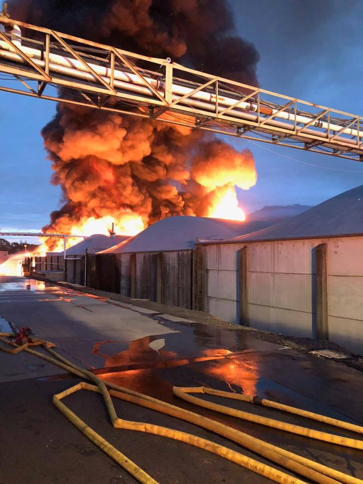 Underwood Fruit and Warehouse fire photo courtesy Stephanie Heyman-Porter.jpg