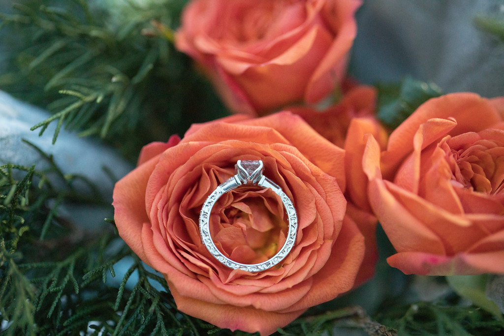Honey Designs is a custom bridal jewelry designer & proposal connoisseur in Cincinnati. / Image courtesy of Photographs by Amy Oliver // Published: 3.16.17