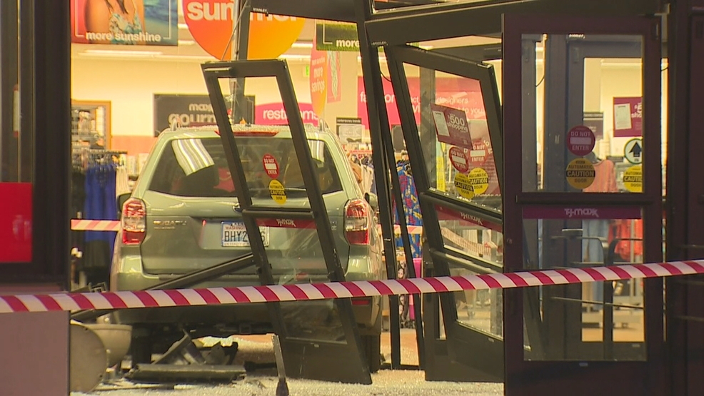 SUV plows through front of Northgate TJ Maxx store | KOMO