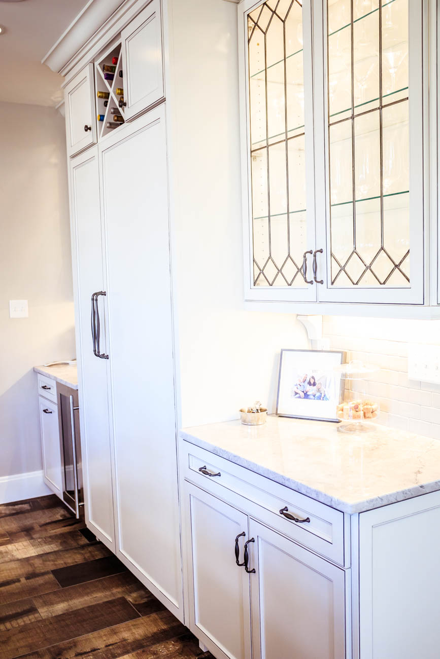 Cabinet doors were custom made by Norwood Glass / Image: Amy Elisabeth Spasoff // Published: 3..13.18