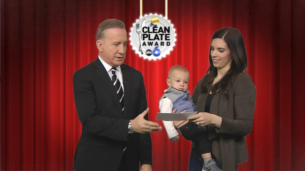 Courtney and Kasey Calvert helped present the Clean Plate Award this week. (WSYX/WTTE)