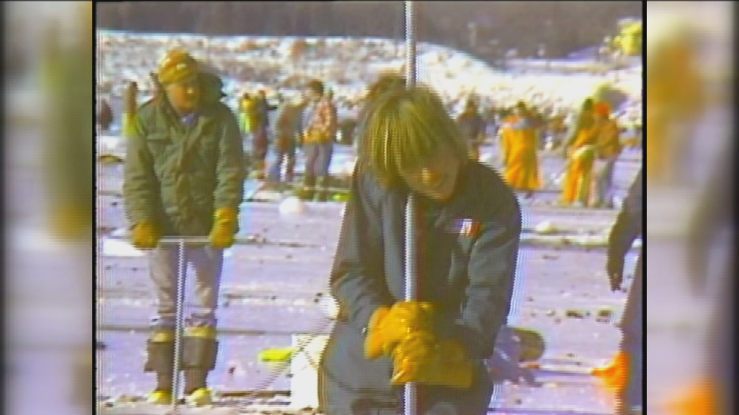 It was a very rare sight on Greenwich Bay 36 years ago: dozens, maybe hundreds, of shellfishermen walked on water. (WJAR File)