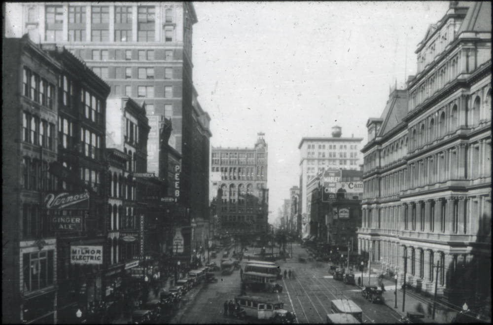 Fifth Street, looking west through Government Square (dated 1920) / From the collection of the Public Library of Cincinnati and Hamilton County / Image courtesy of the Public Library of Cincinnati and Hamilton County // Published: 9.27.18