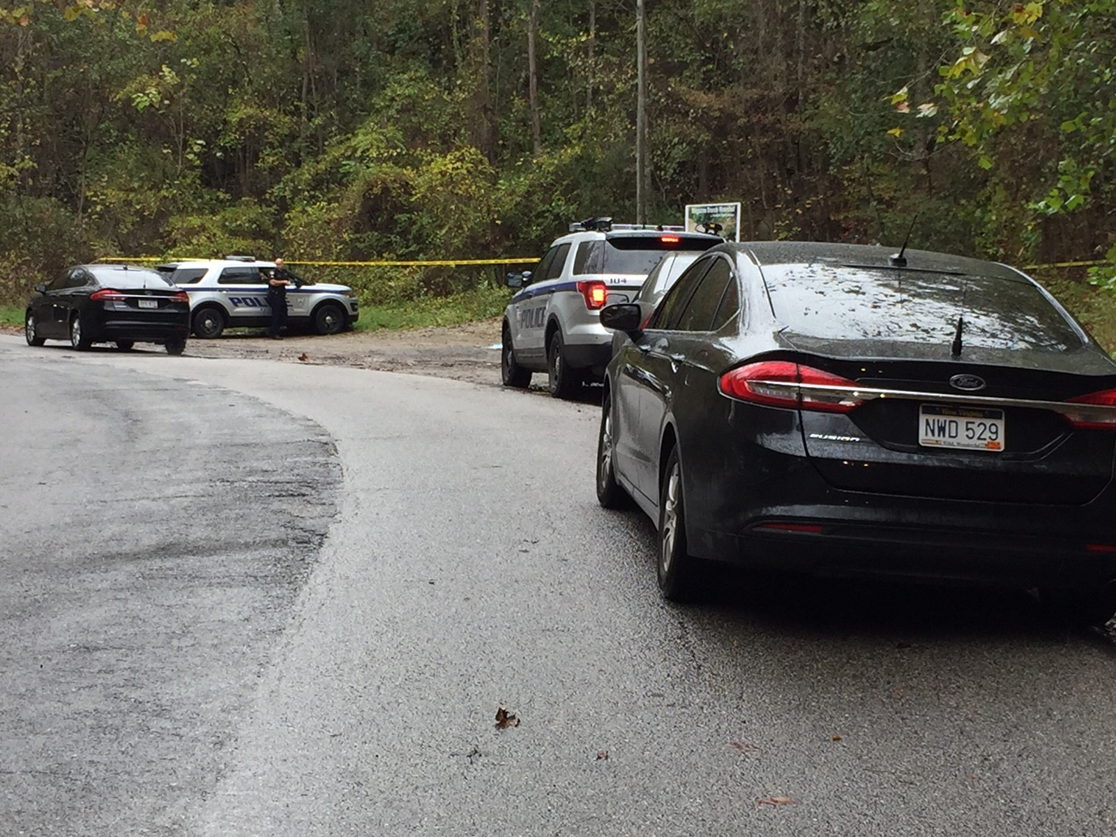 A homicide investigation is underway after a body was found Wednesday afternoon near the 500 block of Pacific Street on Charleston's West Side. (WCHS/WVAH)