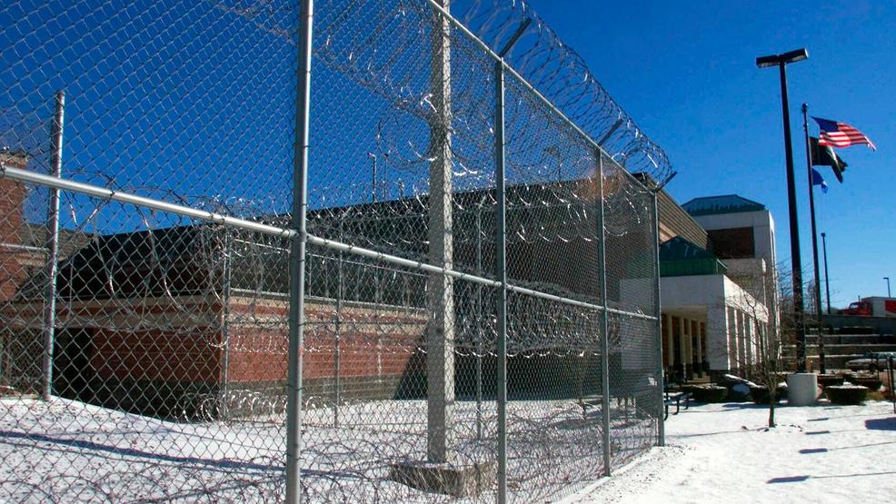Guards, inmates at Connecticut prison ally against state in radon ...