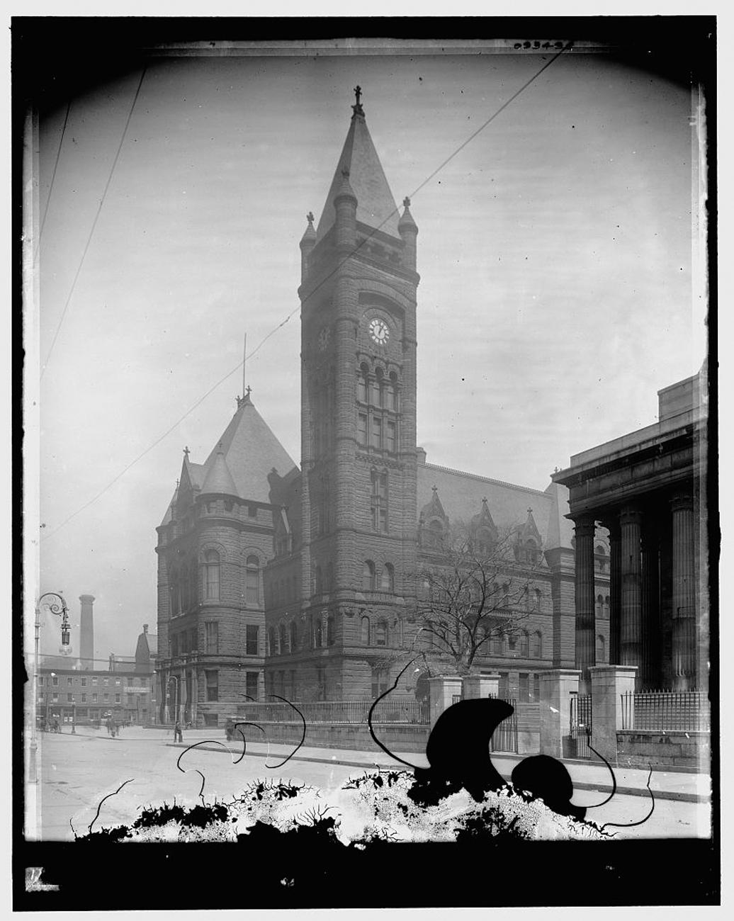 """City Hall, Cincinnati, Ohio""{ }was taken some time between 1900 and 1910. Since this is from a photographic negative, the perspective is actually reversed. / Image: Detroit Publishing Co. accessed via the Library of Congress // Published: 3.4.19"
