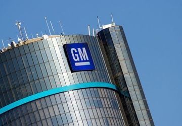 GM 1Q earnings fall 60 pct. but company beats estimates