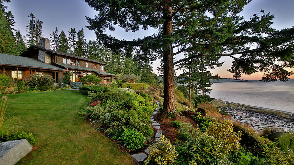 Washington Waterfront Home Tour: A Life Of Luxury On Whidbey Island |  Seattle Refined