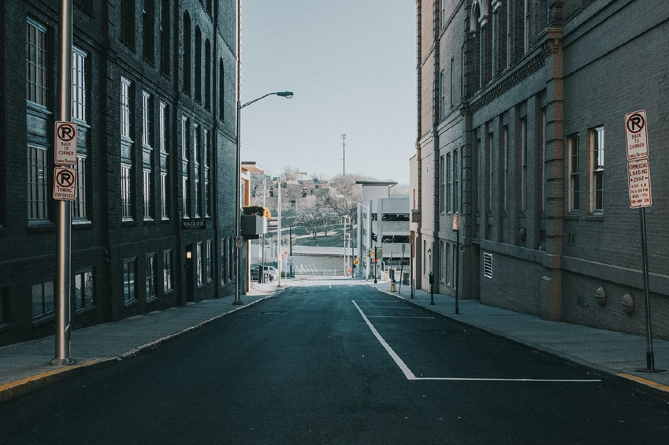 "PICTURED: Union Avenue / ABOUT: Knoxville is nicknamed ""the Queen City of the Mountains."" At only a three and a half hour drive down I-75, take a day trip down and check out everything the city has to offer. Then, head southeast and enjoy the American wilderness that lies just beyond it. / Image: Brianna Long // Published: 2.5.17"