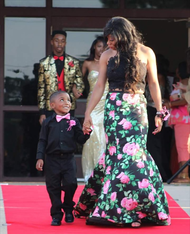 Arkansas 5-year-old Steps In As Prom Date
