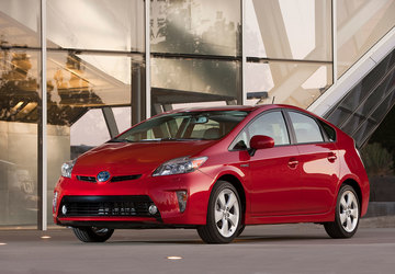 Toyota recalls 2.4 million hybrids due to stalling problems