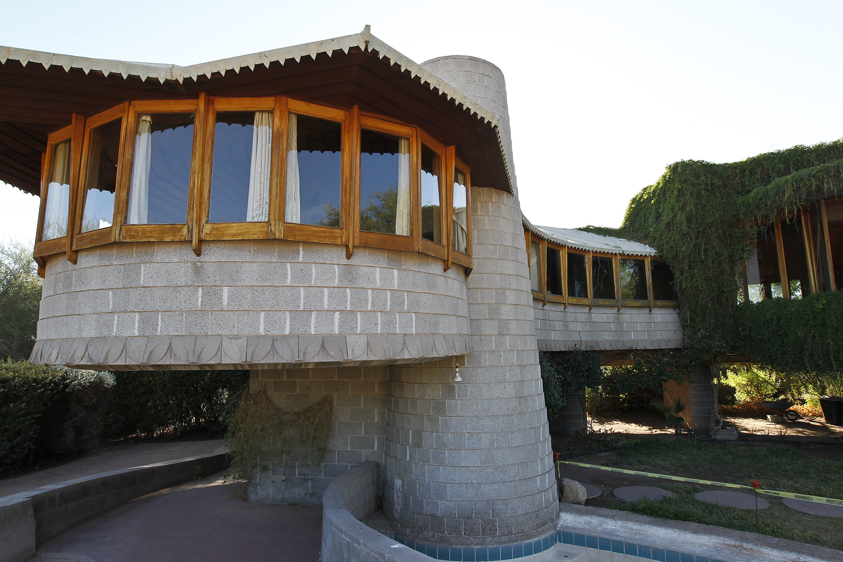 Frank Lloyd Wright Phoenix home given to architecture