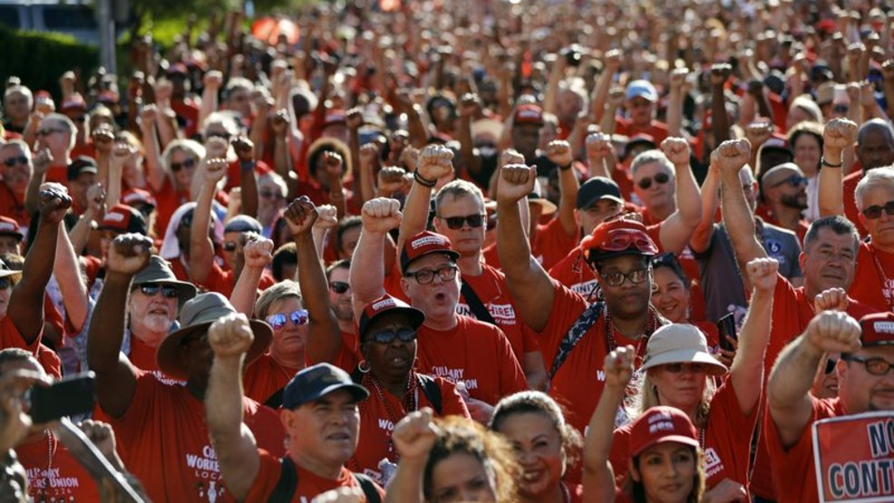 National workers' group to join Vegas casino workers as they picket