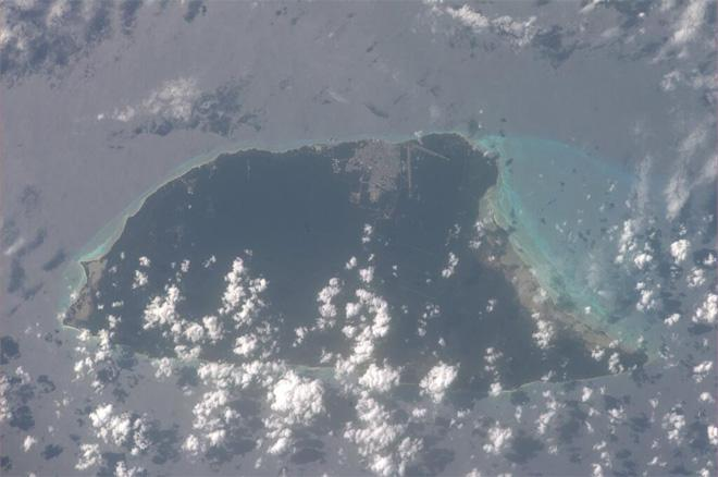 Cozumel Island, Mexico.  You can see the beautiful colors of the reefs (Photo & Caption courtesy Koichi Wakata (@Astro_Wakata) and NASA)