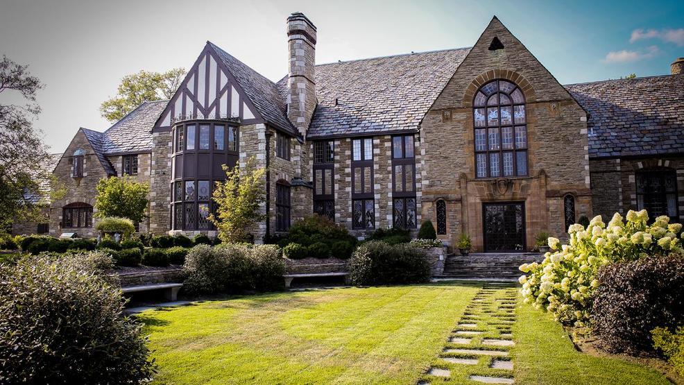 Indian Hill S 1926 Alberly Manor Is For Sale We Got A Peek Inside Cincinnati Refined