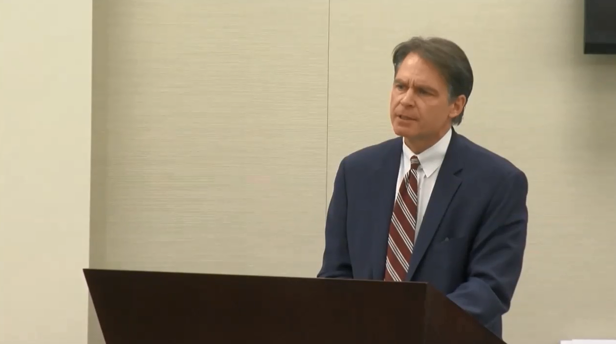 Defense attorney John Lichenstein addresses the jury for opening arguments saying how Eisenhauer simply wanted to clear out Lovell's phone and argues that Keepers is responsible for Lovell's death.