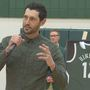 Hinrich jersey retired during East-West showdown