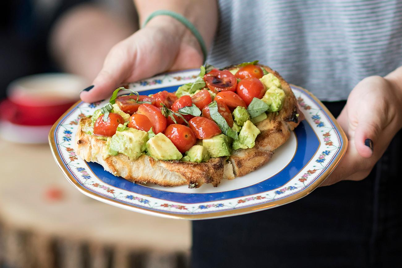 Evo Avo: avocado, balsamic vinegar, and sliced tomatoes / Image: Allison McAdams{ }// Published: 7.1.19