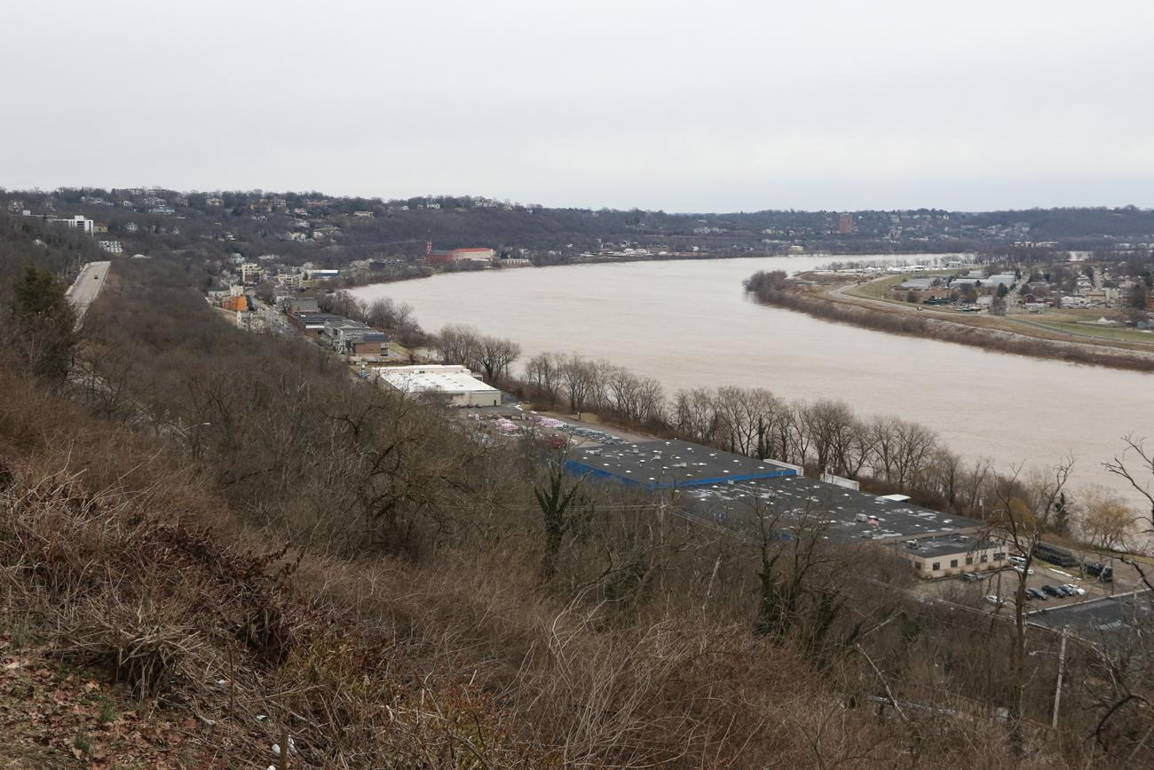 In 2019, the Ohio River continues to be a key corridor for local industry. / Image: Ronny Salerno // Published: 3.4.19