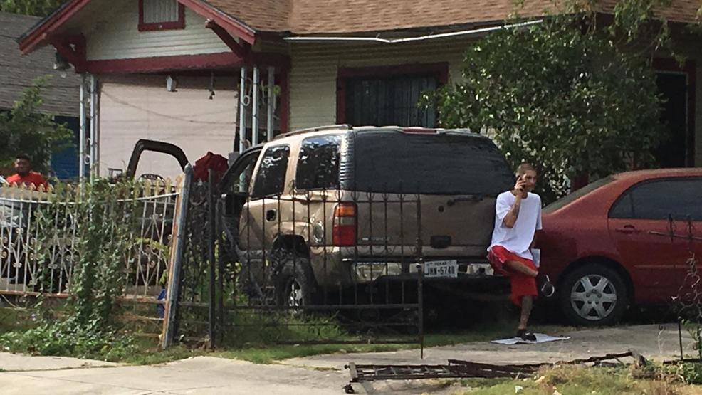 Shoe Blamed For Accident That Left Suv Smashed Into House Woai