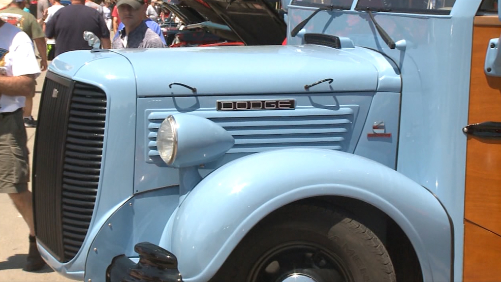Goodguys Bring 5,000 Vehicles to Des Moines, Only One 1938 Iowa School Bus