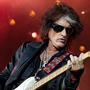 Aerosmith's Perry tweets 'doing well' after hospitalization