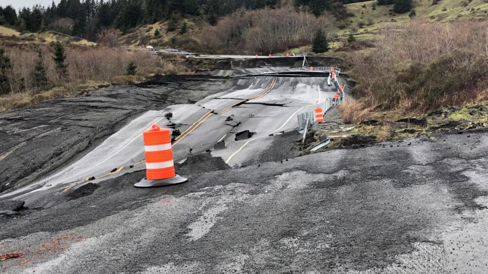 PHOTOS: Highway 101 closed near Brookings due to massive slide | KTVL