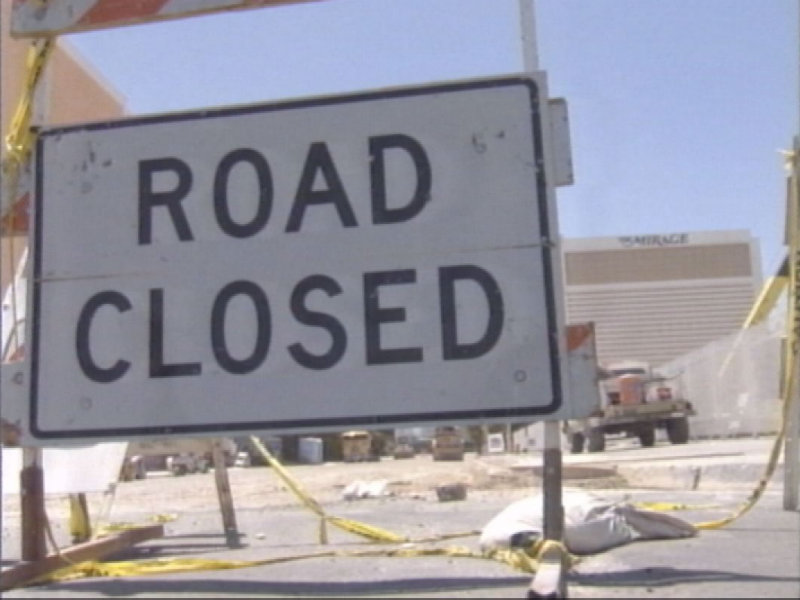 Entrance to Villa De Flores Blocked (KSNV file)