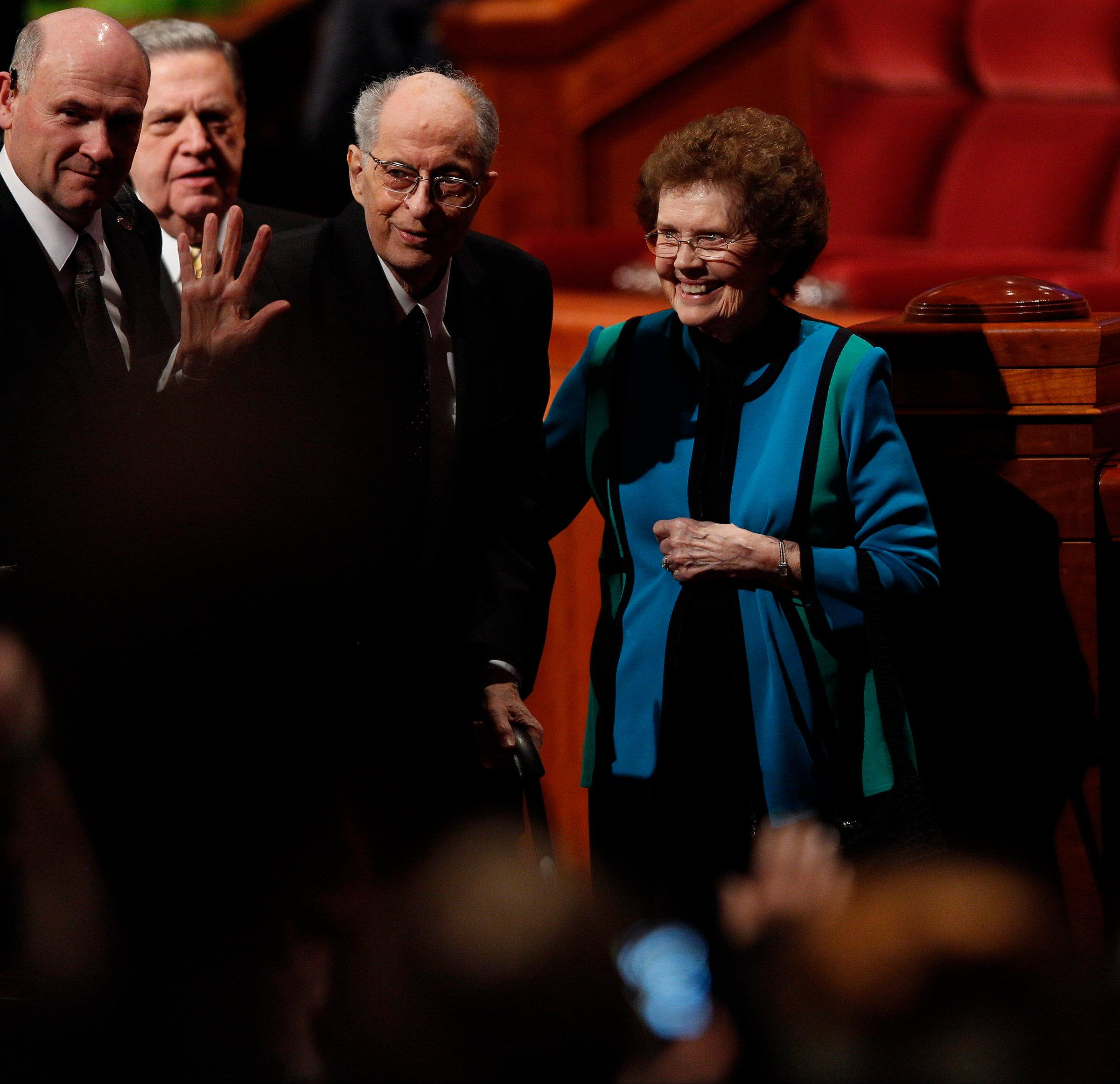 Elder Robert D. Hales with his wife, Mary, at general conference in April 2015 (Photo: LDS church, Copyright Intellectual Reserve, Inc.)