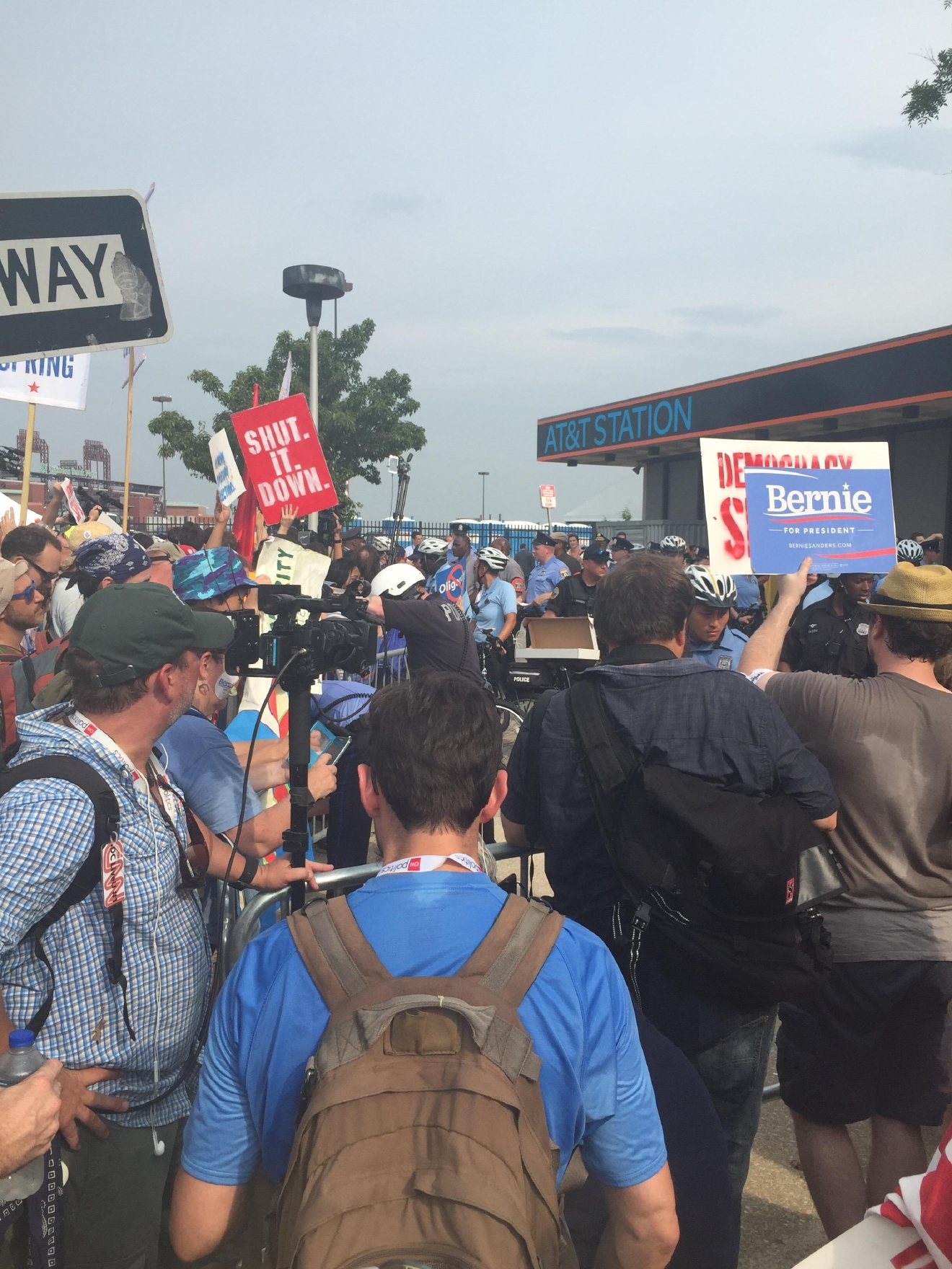 Large crowds outside of the Democratic National Convention. (Amanda Ota, Sinclair Broadcast Group)