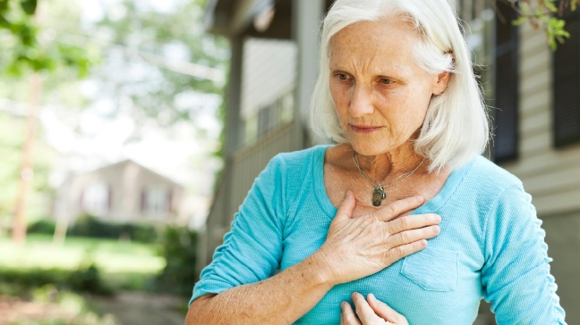 The Subtle Heart Attack Symptoms That Women Need to Know About