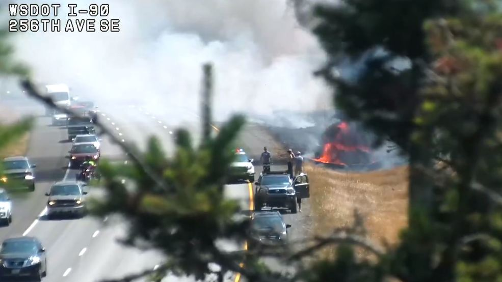 Fatal crash on I-90 triggers brush fire near Issaquah | KOMO