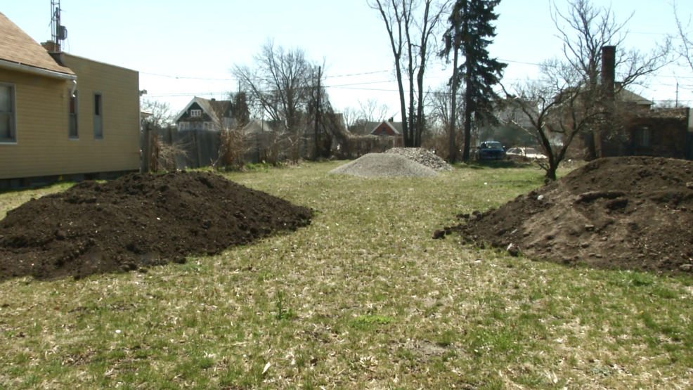 Community Garden Plans To Clean Up Blight On Blum Street