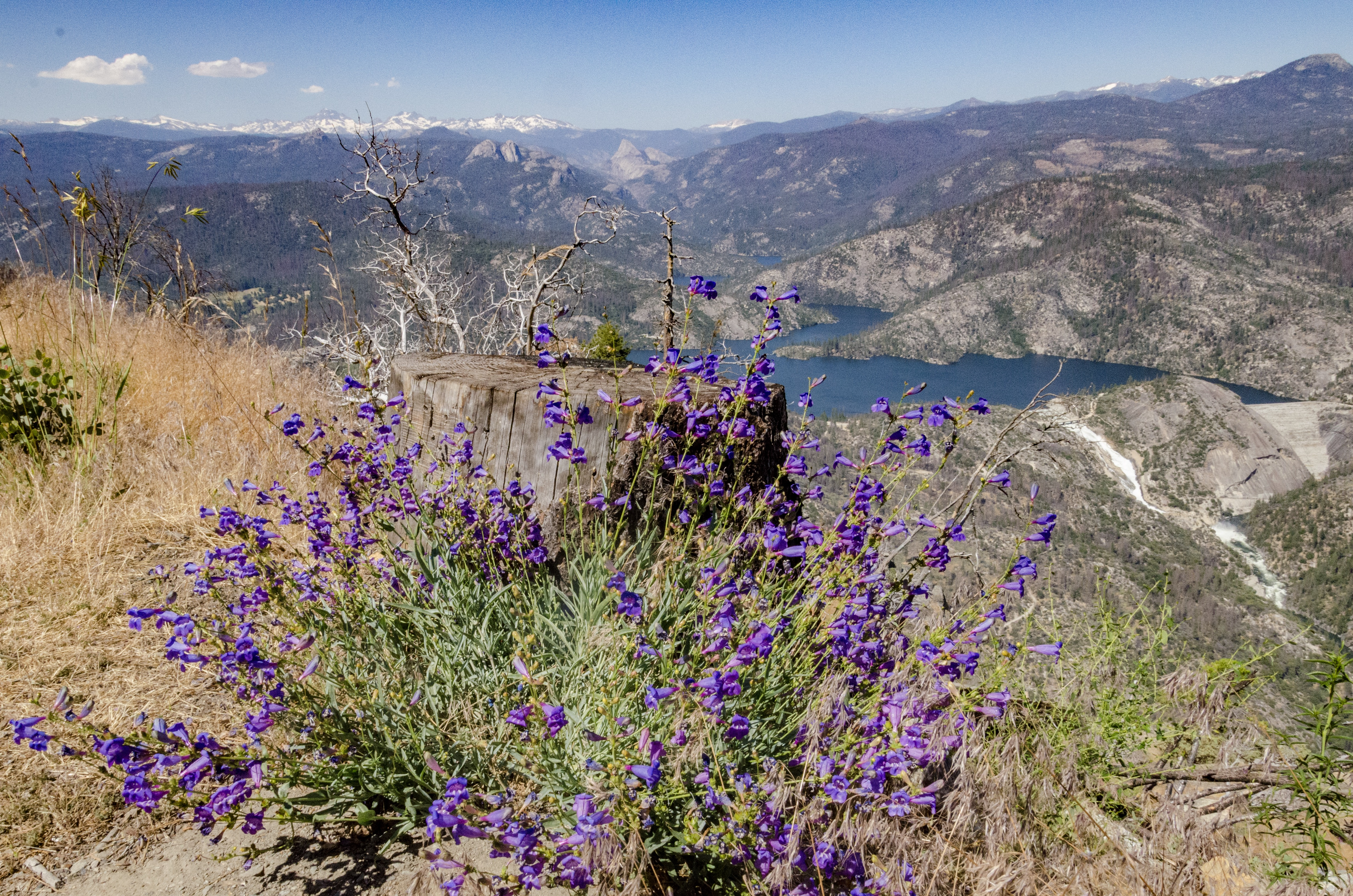 The Sierra Vista Scenic Byway is about a 100 mile loop that starts near the town of North Fork and finishes on Highway 41, just north of Bass Lake.