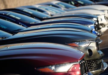 US auto sales likely fell in February