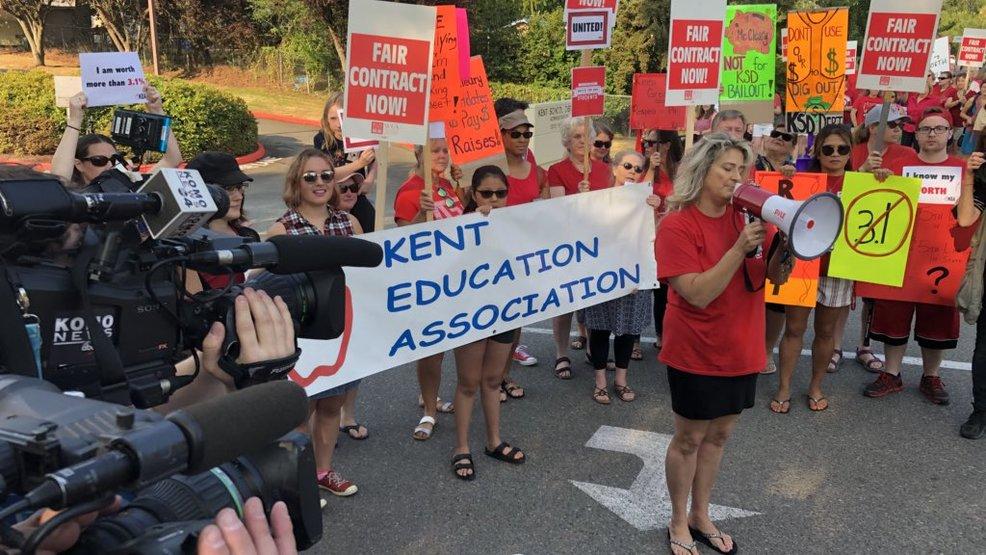 Kent Teachers Reach Tentative Agreement Averting Strike Komo